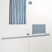 Steve Johnson - Curtains, 2013, Mahagoni, Schichtholz, Messing, Emaillefarbe
